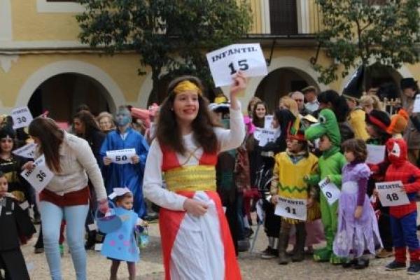 carnaval-122CFBA9B46-85AC-2C1C-C400-B954CC19D270.jpg