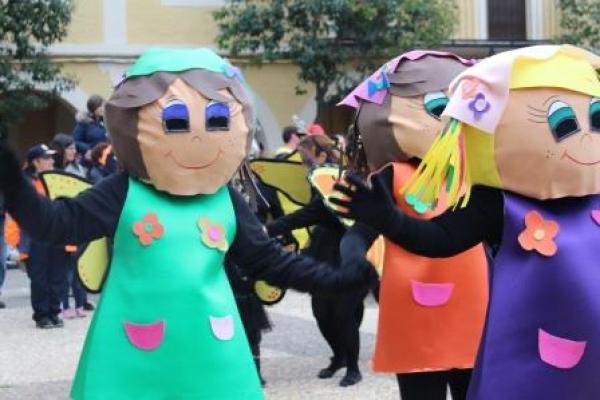 carnaval-21181ABF0D7-6A11-12C4-6C9F-F3A0F3D38354.jpg