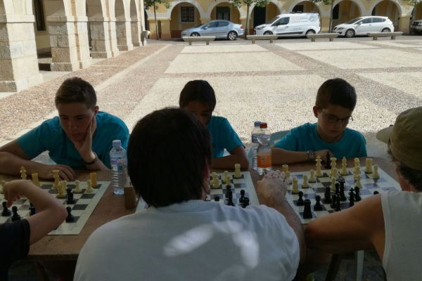 170624-torneo-ajedrez-1089C01315-2ABB-5EBF-EAE7-9FEA73F4599F.jpg
