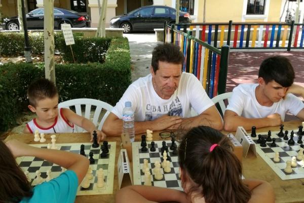 170624-torneo-ajedrez-3D6DAE98B-B42F-5554-3E96-1E77AD4902E1.jpg