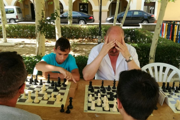170624-torneo-ajedrez-5793C8B4C-6A8D-8DAF-685F-3C24C593390D.jpg