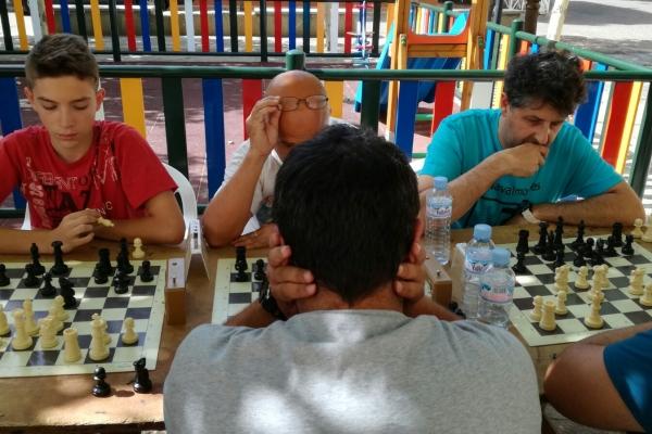 170624-torneo-ajedrez-76E718DAB-F0E9-0C5F-6D41-6C908146081E.jpg