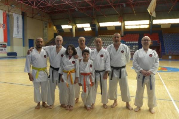 180525-entrenamiento-karate-01B909D4D1-D489-F003-DC3D-2805B7974622.jpg