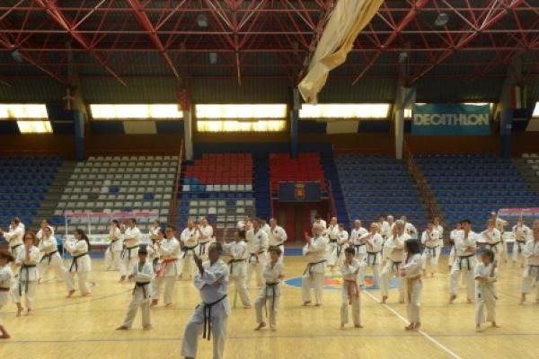 180525-entrenamiento-karate-1165C4EF23-067D-FD3E-817E-330AD504A1DE.jpg