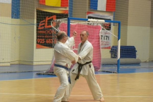 180525-entrenamiento-karate-360993F1D7-CEDC-8EA6-BB56-921617F16686.jpg
