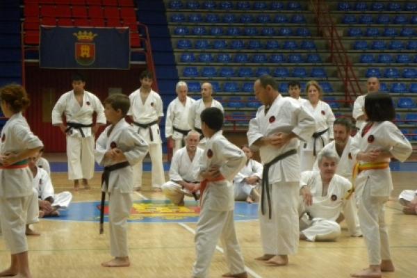 180525-entrenamiento-karate-37657F3F43-AD3A-EC32-FA18-2882BA6EC94D.jpg
