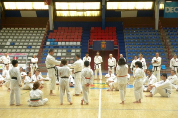 180525-entrenamiento-karate-3922BB9319-DED8-55D9-8F0A-593D3ADC51AC.jpg
